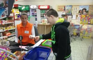 Nákupy s komunikátorom (supermarket)